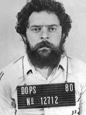 Lula condenado a 9 anos de prisão